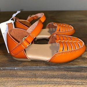 NWT Old Navy size 5 sandals